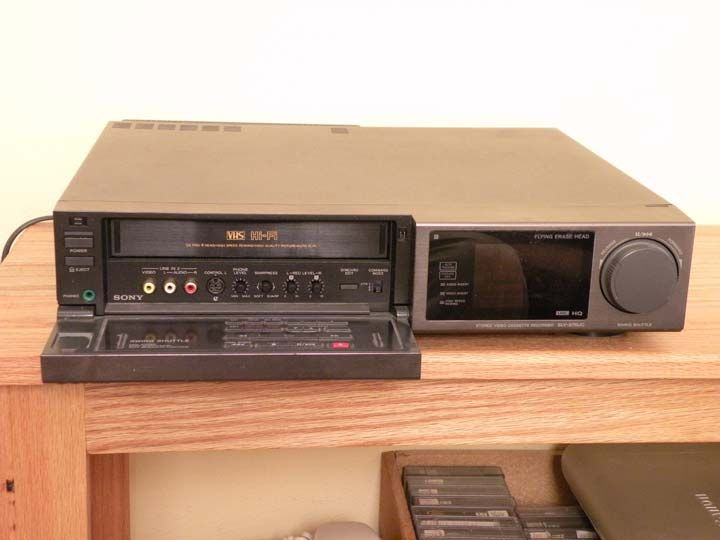 Sony SLV676UC  VHS Video Cassette Recorder