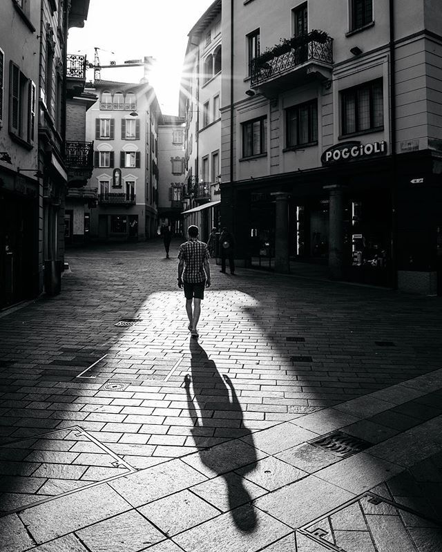 I love chasing the light .... always! D was a total Instagram husband 😁, walking up and down quite a few times #thankyou #yourethebest #latergram  #lugano #myswitzerland #chasingthelight