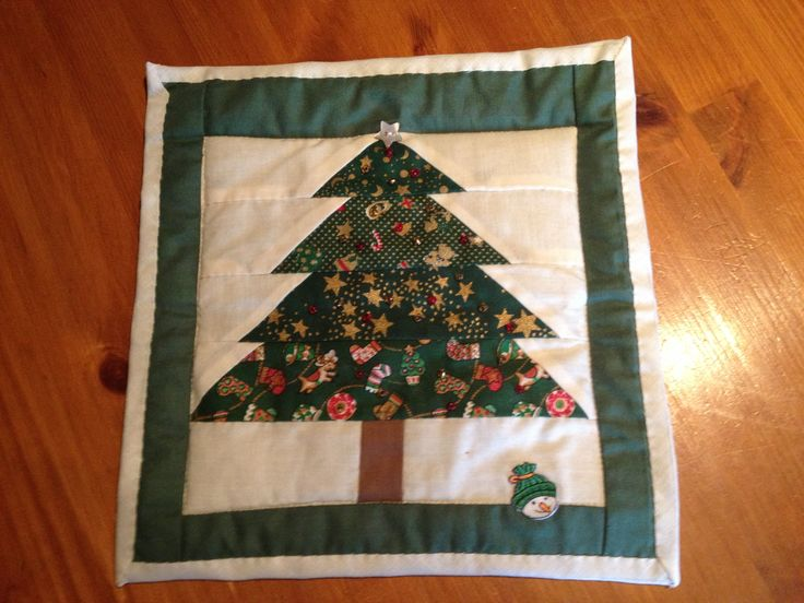 A lovely patchwork wall hanging. Easy to make and a lovely gift