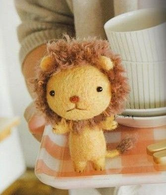 felting? lion cub:  Teddy Bears, Crafts Books, Stuffed Lion, Girls Generation, Felt Crafts, Felt Ideas, Stuffed Animal Cute Japan, Felt Lion, Lion Cubs