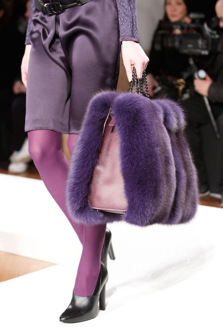 mouve fur bag