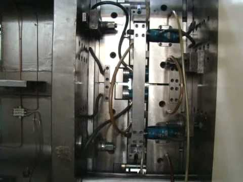 MOLDE DE INYECCION CAJA DOS CAVIDADES. INJECTION MOULD CRATE TWO CAVITIES - YouTube