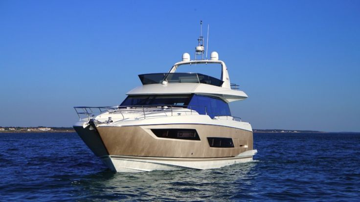 Prestige 680 - Kat Marina