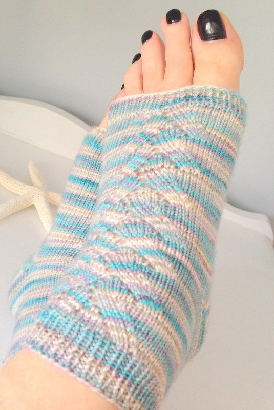 Welcome back to free pattern friday! A fresh, new, free pattern every week. Today's offering... Sweet Feet Pedicure Socks, great for yoga too!