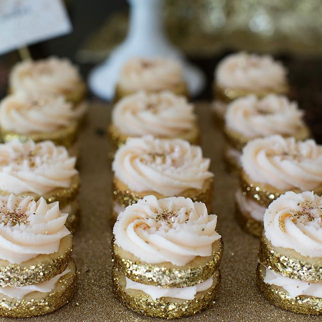 These glitter sandwich cookies are perfect for NYE.