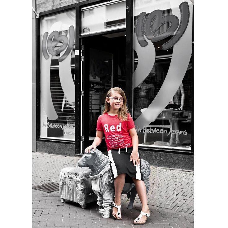Have you visited yet?  #inbetweenjeans - #project365 #day158 #photochallenge #new #neighbour #vriesestraat #dordrecht #dordrechtcentrum  #kinderkleding #citygirl #nameit #lmtd #tshirt #red #redisthecoloroflove #city #cityphotography #cityphotographer #dk_photography #portrait #kinderfotografie #portretfoto #geefjeookop #fotoshoot #portraitinthecity #stad