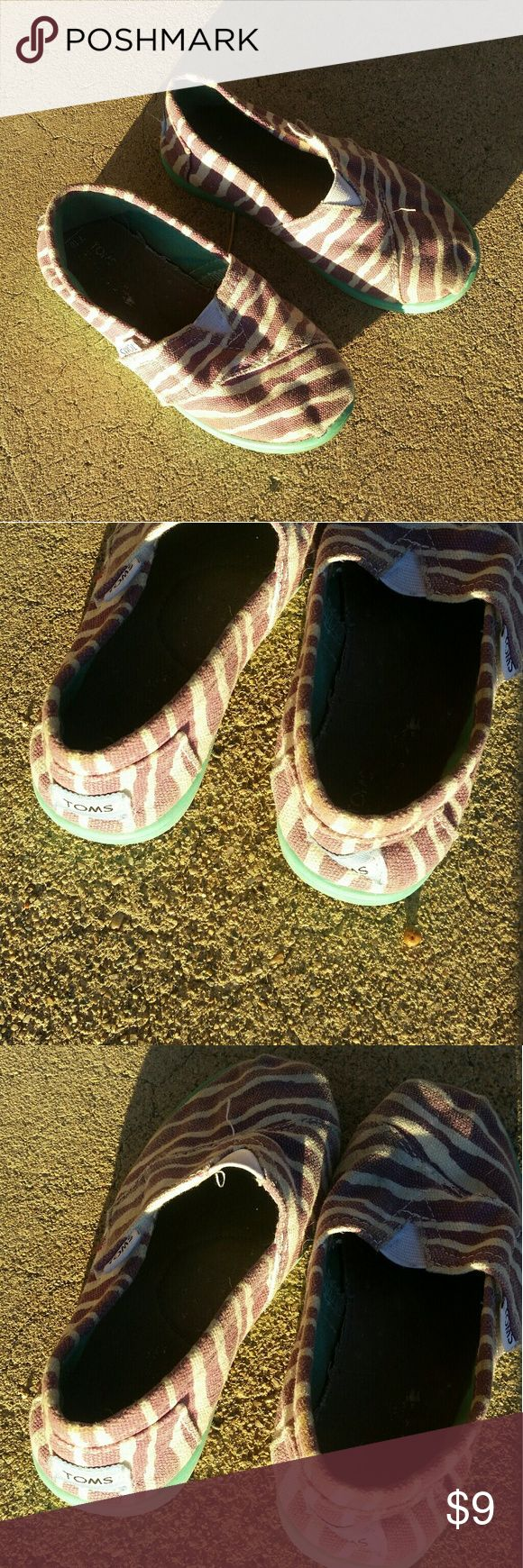 Toms Espadrille Shoes size 10 Toddler Toms Espadrille Shoes size 10 Toddler, purple zebra stripe, gently used Toms Shoes