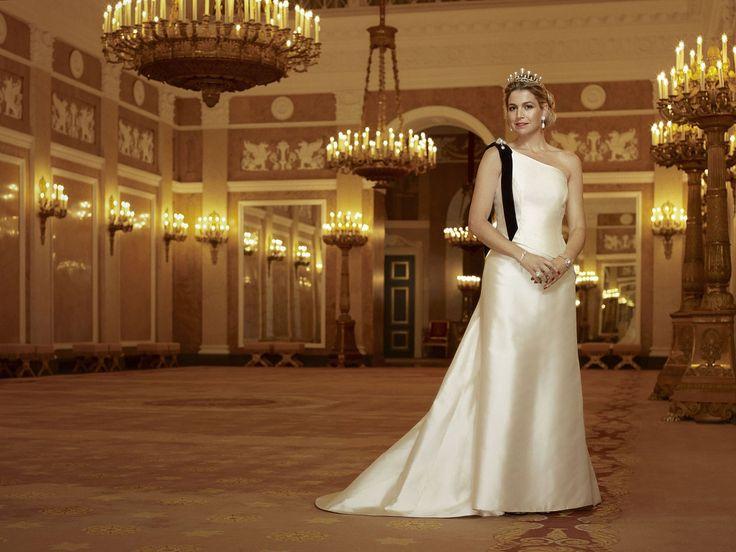 Princess Maxima   For her 40th birthday, Erwin Olaf shot a very nice serie portraits of Princess Maxima.