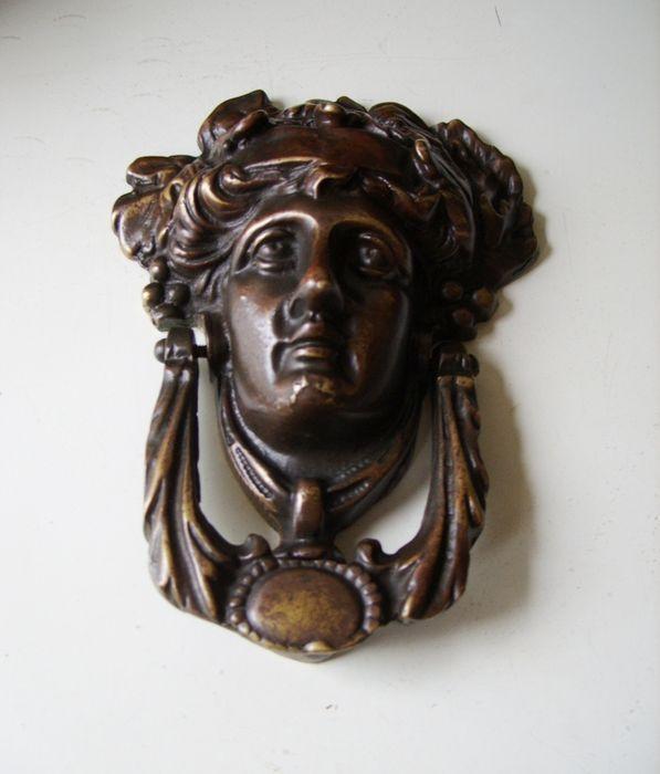 Bronzen deurklopper - Griekse godin