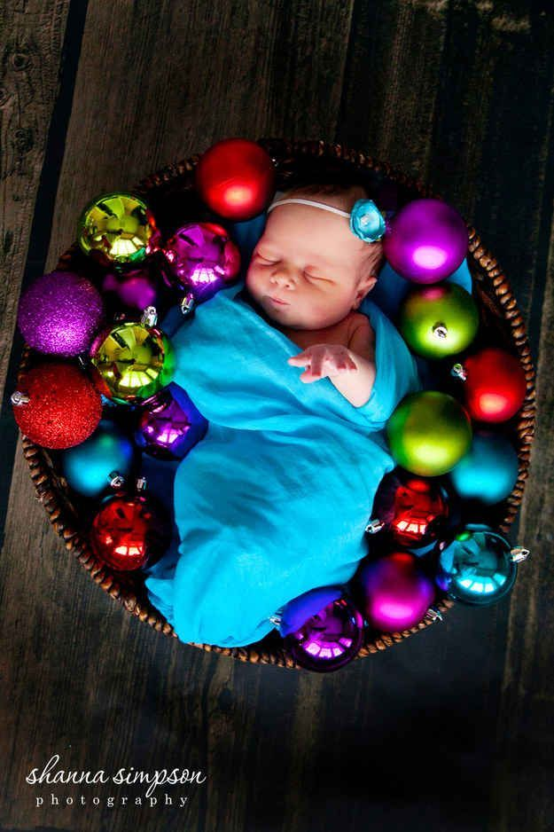 Babys first Christmas / professional photography / photography ideas / babys photo poses