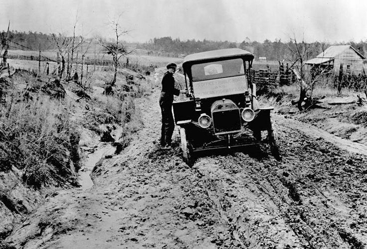 Mud Truck 1920 : Transportation in the s cities were just developing