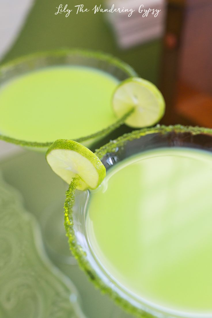 Key Lime Pie Martini Drink Recipe (and Key Lime Pie Shooters Recipe)