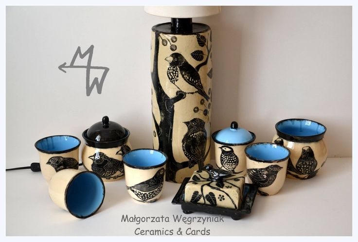 MWCeramics Malgorzata Węgrzyniak Zestaw z lampą Ptaki #polandandmade #ceramics #pottery #sgraffito #glaze #birds #blue