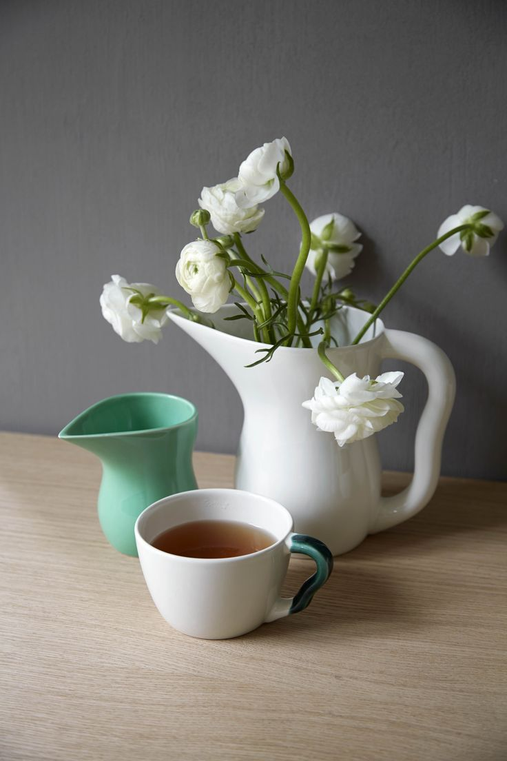 Use the large Ursula cup for your favorite drink whether it's tea, coffee or hot chocolate