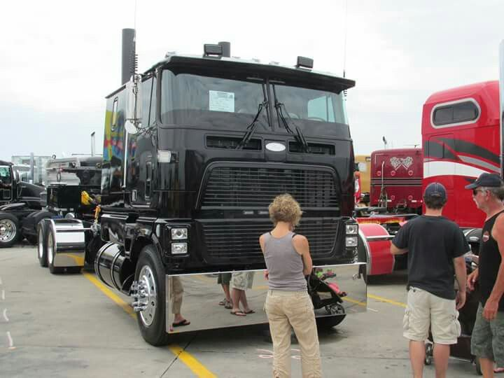 Ford Cl9000 Cabover For Sale >> 1000+ images about Bad Ass Rigs on Pinterest | Peterbilt 389, Semi trucks and Peterbilt 379