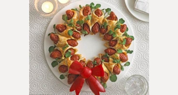 Worstenbroodjes maken in de kerstsfeer. Een leuk gerechtje voor kinderen om te maken en te gebruiken voor het #kerstdiner thuis of op school!