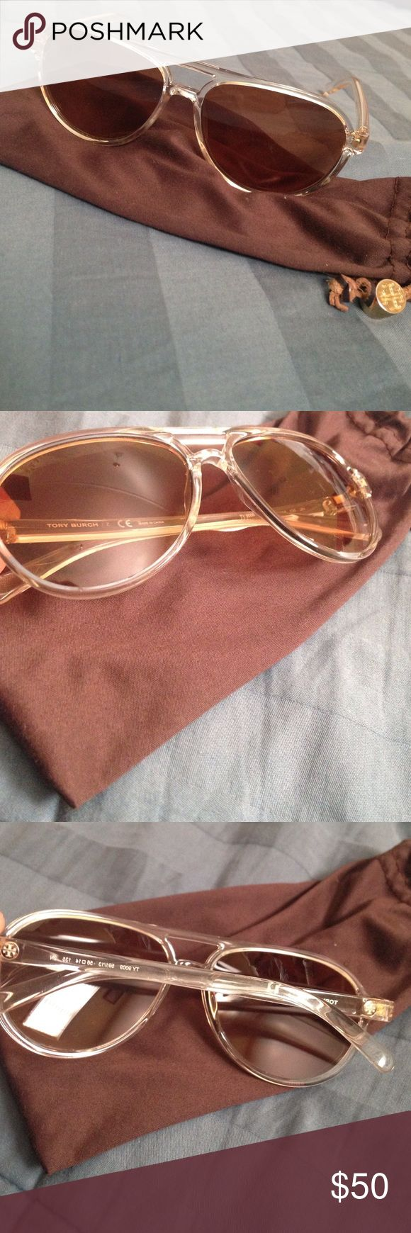 Tory Clear Plastic Aviators Absolutely gorgeous Tory butch clear frame aviators bought a couple of years back for a trip to Europe but rarely wear them they have a scratch on the left eye that barely impairs sight Tory Burch Accessories Glasses