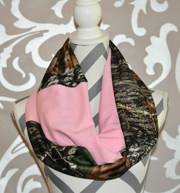 Realtree Scarf Camo and Pink Infinity Scarf Ladies Camo Clothing Deer Hunting Elk