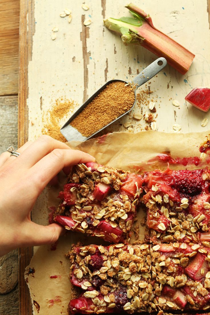 Simple strawberry rhubarb crumble bars with a crumbly oat topping! Naturally sweetened, vegan and gluten-free, 10 ingredients, and so delicious!