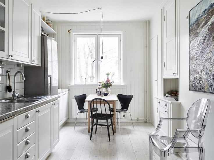 studio-apartment-space-saving-idea-kitchen