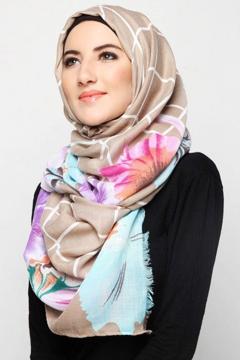 http://www.hijabiworld.com/big-fabric-hijab-and-scarf/