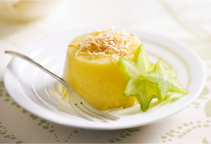 Dip into a sweet gelatin pudding made with mango and coconut milk for a tropical treat.