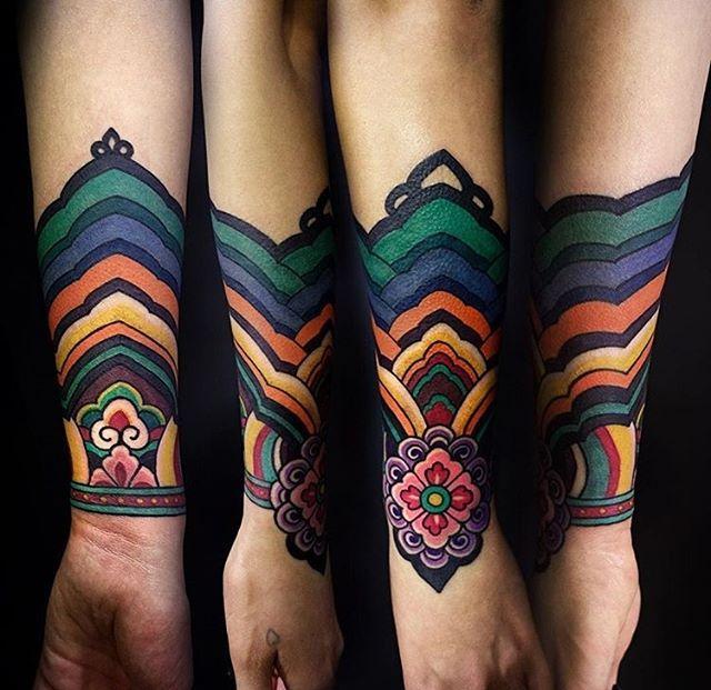 @arang_eleven Korean traditional pattern color sleeve