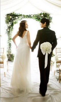 Just one of the many poses I liked from Hwanhee & Hwayobi wedding photo shoot in wgm