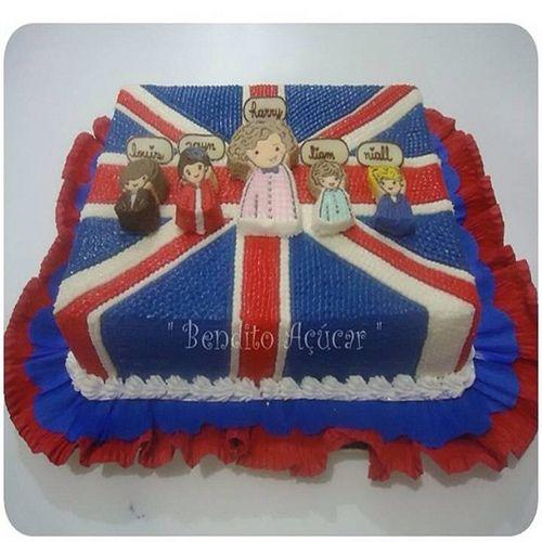 one direction cakes | one direction cake bolo com cobertura de chantily desenhado a mao ...