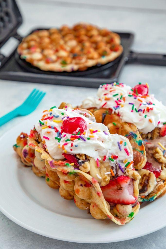 Bubble Waffle Banana Split Tacos
