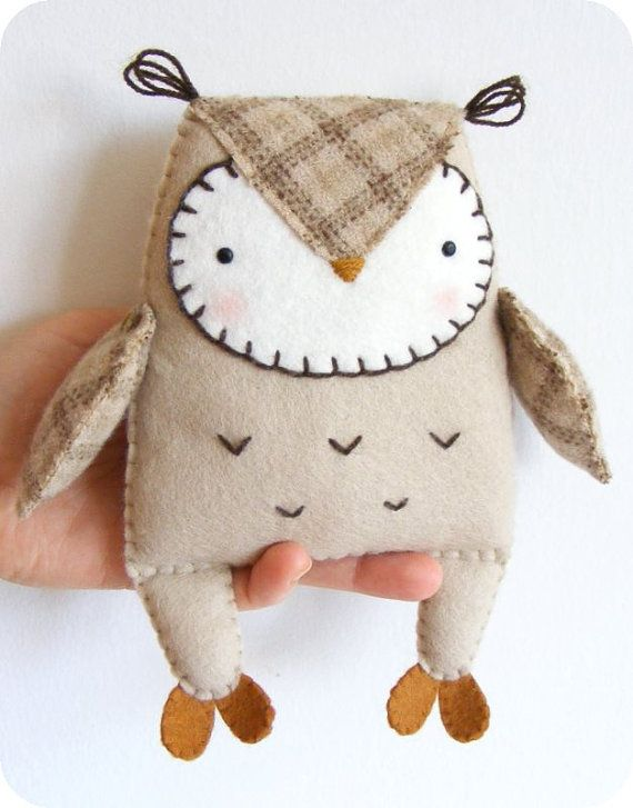 PDF pattern Felt owl softie. DIY easy sewing por iManuFatti