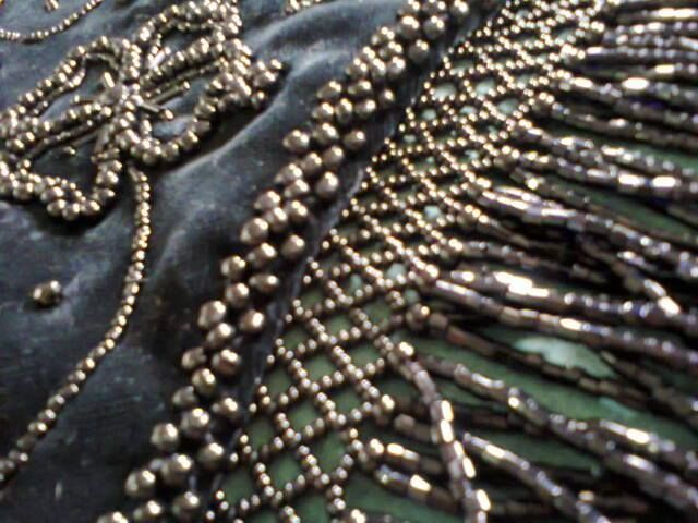 detalle de bordado del dengue traje de llanisca Asturiana elaborado por Monica Galvan en Veracruz Mexico