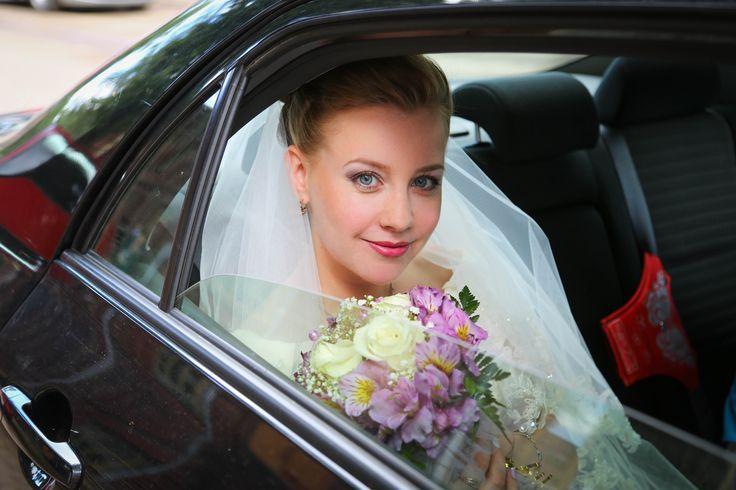 Свадебная фотосъёмка. Фотограф на свадьбу, в ЗАГС. Детские и семейные фотосессии. Фотосъёмка таинств: венчание, крещение. Студийная фотосъёмка. www.irinabolotina.ru (916) 686-23-22