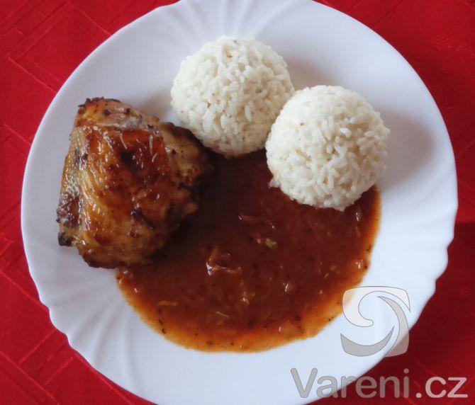 Nenáročný recept na pikantní oběd z kuřecích paliček.