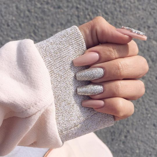 GLAMOUR HEAVEN, nail, nail art, nails, polish, nude, sparkle, sparkly, luxury, amazing, top coat, girly, girlie, fashion, tumblr, trends, lovely,