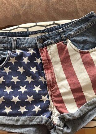 Kup mój przedmiot na #vintedpl http://www.vinted.pl/damska-odziez/szorty-rybaczki/17469632-krotkie-jeansowe-spodenki-z-wysokim-stanem-flaga-amerykanska