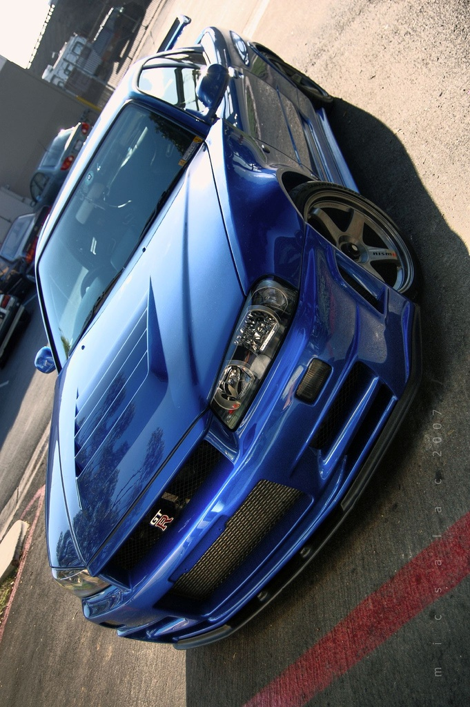 Skyline GTR R34.Love this car and it's my favorite colorlol