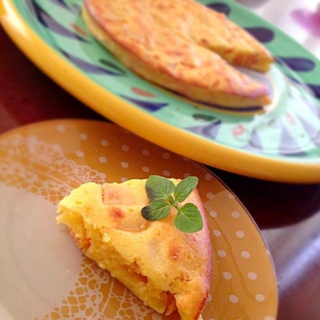 柿とチーズの組み合わせ気になってさっそく♥♥ 初めての味でうまーー(*´ェ`*) はまりそぉ♥ - 109件のもぐもぐ - 江里子サンのスライスチーズの柿ケーキ! by RaaRaa
