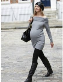 Tips for dressing through your pregnancy. Moms should look good all the time, even when we are pregnant! Here are some ways to stay looking more like your stylish self during pregnancy.