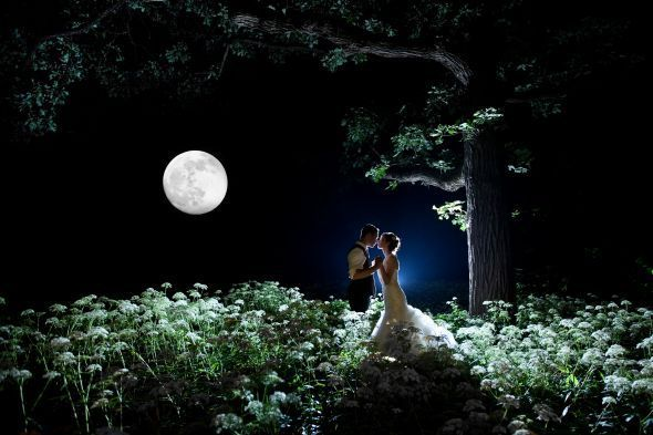Great photo with full moon! It'll be full moon for our wedding :)