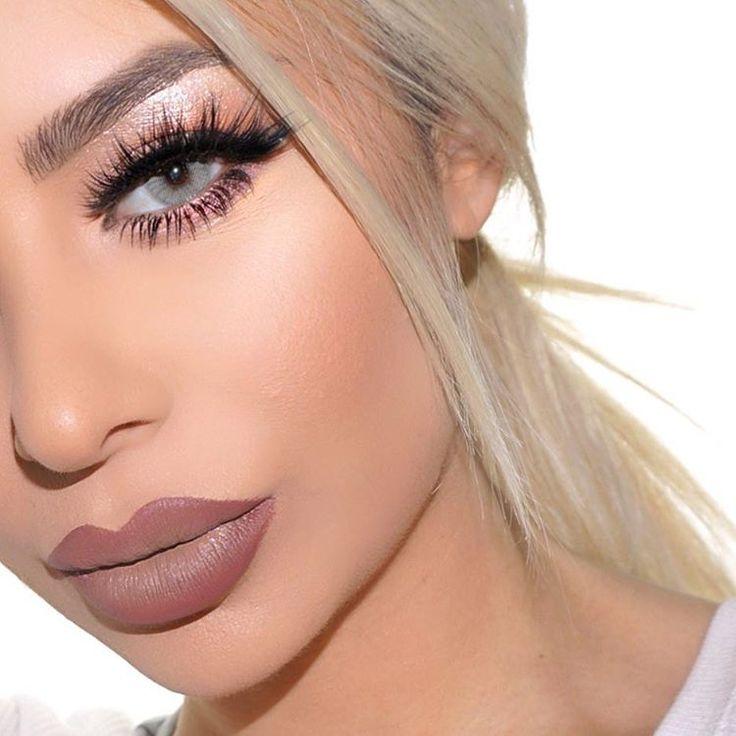 #hudabeauty lashes in Scarlett ❤️ #tarte Tartellete palette #anastasiabeverlyhills taupe brow definer  Lips: Mac plum lip liner with #jeffreestarcosmetics posh spice  Follow my studio page @vanitymakeup.studio
