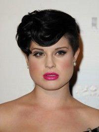 Maquillaje y peinado para rostro triangular
