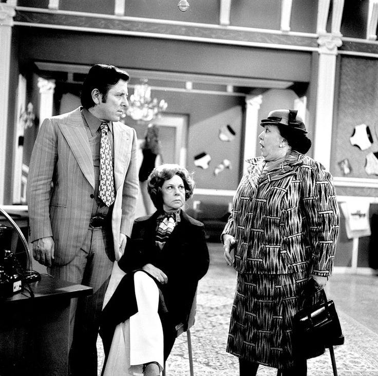 Finos Film - Photo Gallery Ταινίας: 'Είκοσι Γυναίκες Κι Εγώ' (1973)