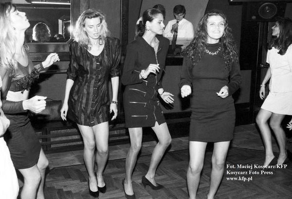 Zabawa w nocnym klubie Romantica w Gdańsku z okazji wyborów Miss Polski, 1992 rok.