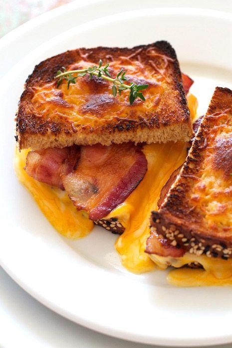 croque bacon cheddar