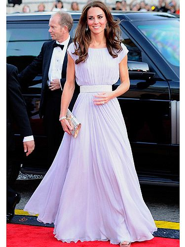 Kate Middleton  When Kate Middleton arrived with her hubby Price William at the BAFTA 'Brits to watch' event, the flashbulbs went crazy. She looked serene and gorgeous in her lilac Alexander McQueen pleated dress. The sparkly belt and clutch finished off her look perfectly