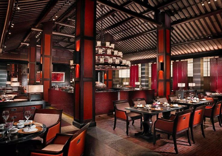 Jin Sha, literally Golden Sand, is a Chinese Restaurant of Four Seasons at the West Lake. It is acclaimed by many that it offers the best Hangzhou cuisines.