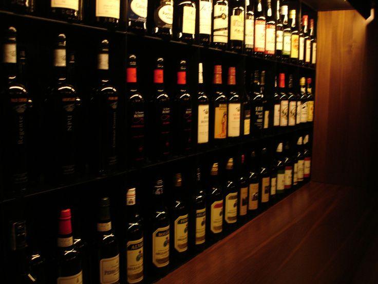 En Doblevía Vinos Nobles le ofrecemos el servicio de catering para eventos con Wine Makers Dinner's para que deleite a sus invitados