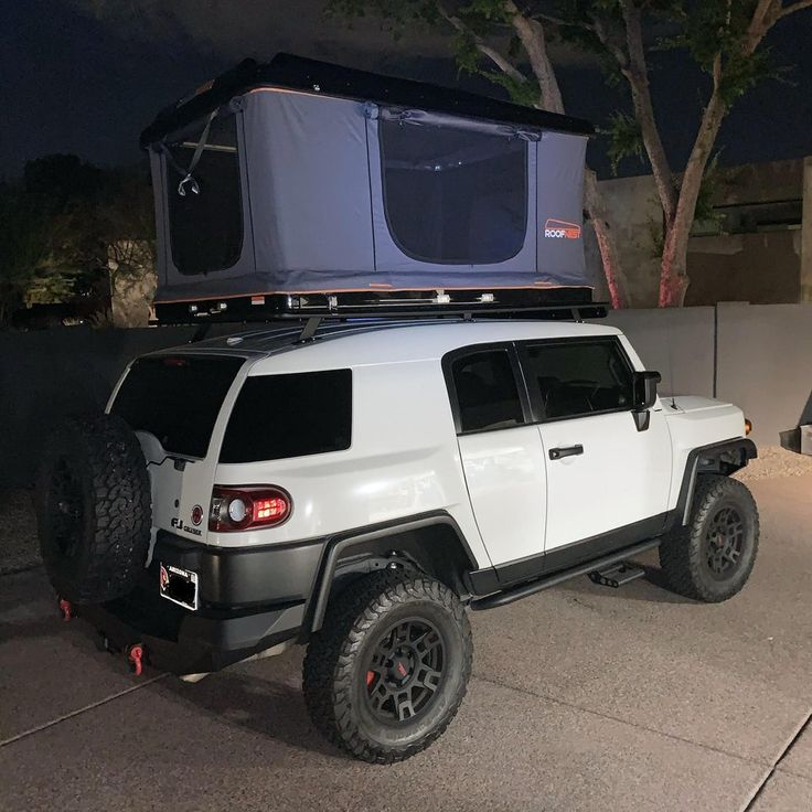 (4) New rooftop tent! FJCruiser in 2020 Roof top tent