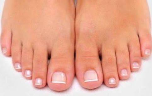 Image result for diseños de uñas punta francesa para pies
